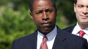Queens Sen. Malcolm Smith arrives at U.S. District