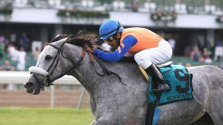 Silver Screamer, with Jose Espinoza riding, wins the
