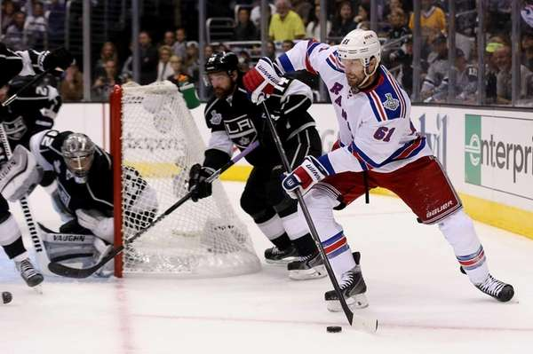 Rick Nash of the Rangers controls the puck