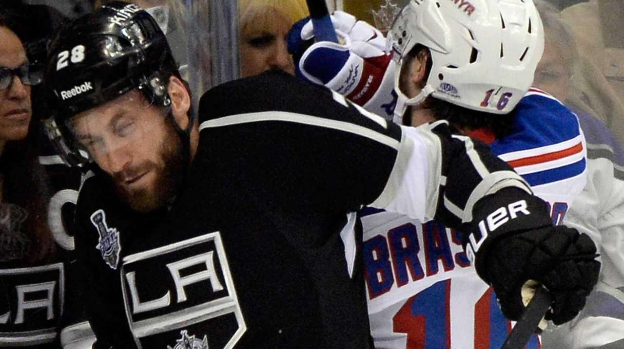 Jarret Stoll of the Los Angeles Kings is
