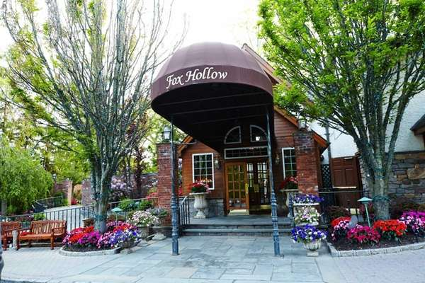 The Fox Hollow in Woodbury houses Volpe Ristorante,