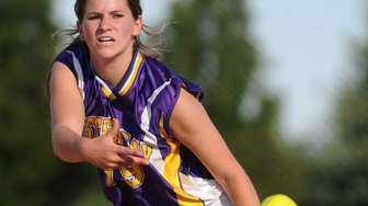Oyster Bay pitcher Dana Galgano delivers to the