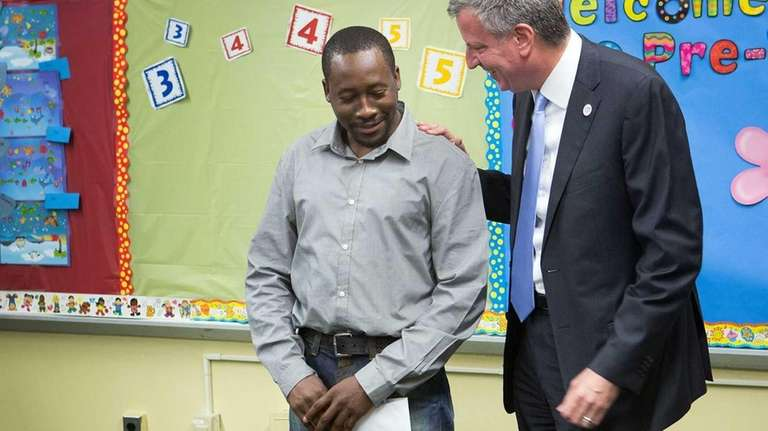 New York City Mayor Bill de Blasio delivers