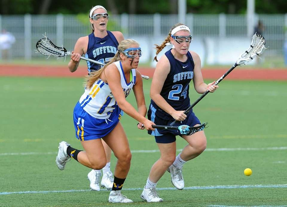 West Islip attacker Emily Piciullo and Suffern defender