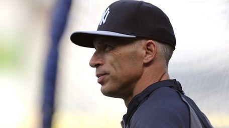 Yankees manager Joe Girardi on as his team