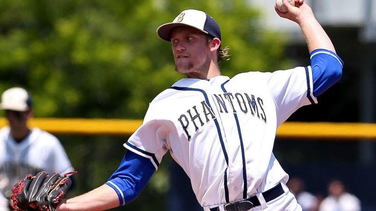 Bayport-Blue Point starting pitcher Jack Piekos delivers a