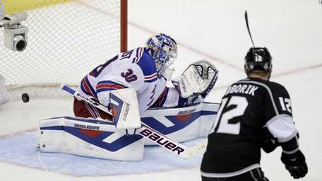 Dustin Brown's goal gets by New York Rangers
