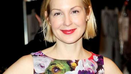 Join actress Kelly Rutherford for cocktails at the