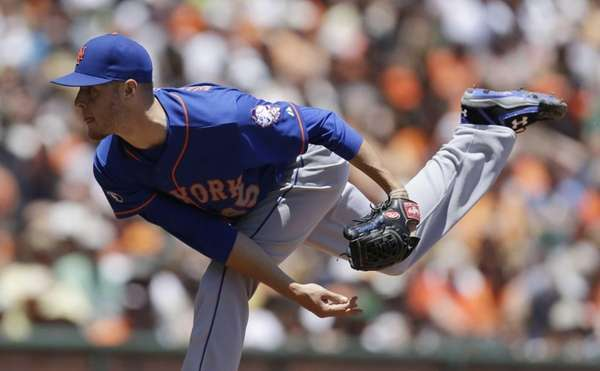 Mets' Zack Wheeler works against the San Francisco