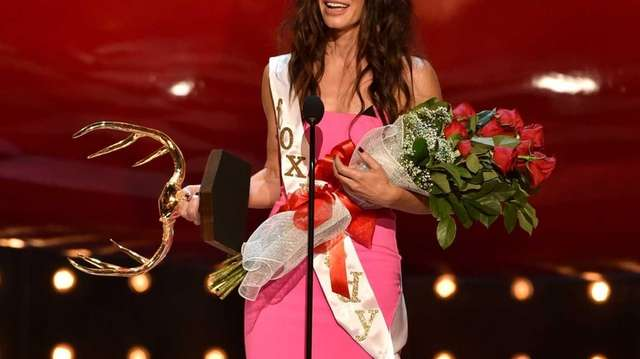 Sandra Bullock accepts the Decade of Hotness award
