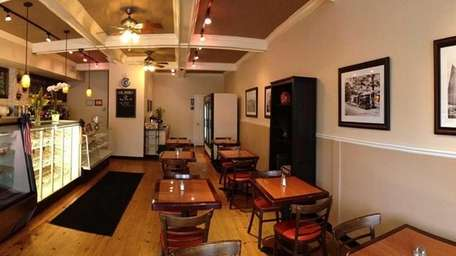 East Quogue Eatery serves breakfast and lunch as