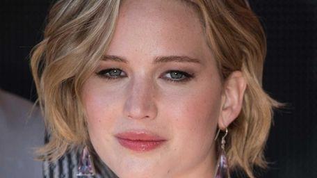Jennifer Lawrence promotes