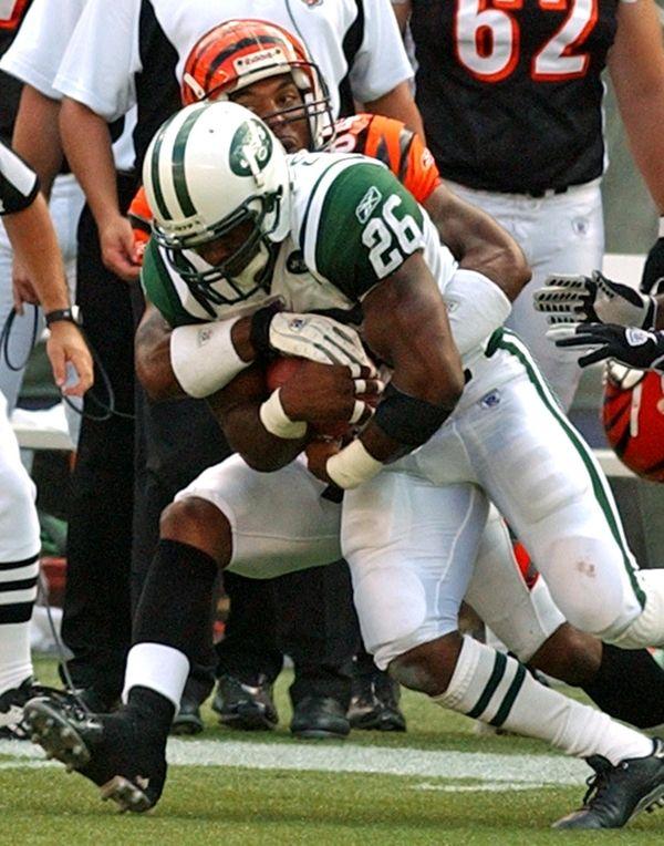 Jets safety Erik Coleman intercepts a pass intended