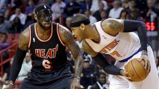 Knicks small forward Carmelo Anthony prepares to drive