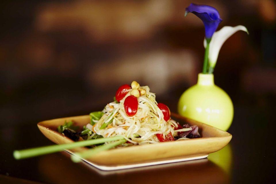 Ra-Kang Thai Cuisine (895 W. Beech St.): This