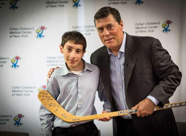 Hockey Hall of Famer Pat LaFontaine makes special