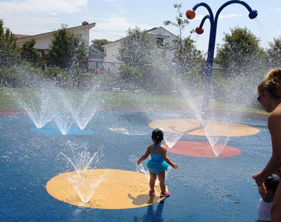 The free sprinklers and splash park area on