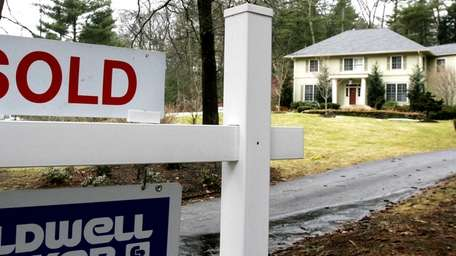 Nassau County homes sold for a median price