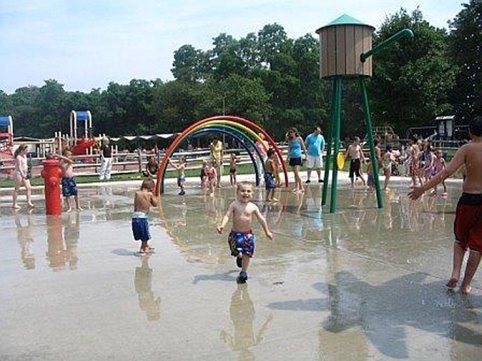 The splash park at Hoyt Farm Park Preserve