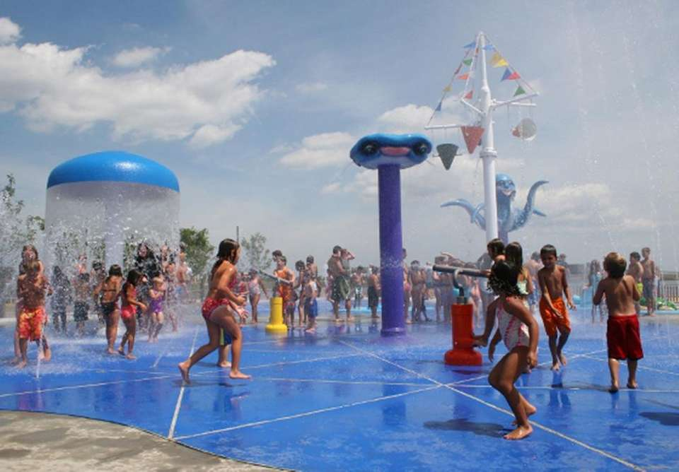 Splash parks for kids on long island newsday for Venetian shores