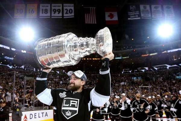 Justin Williams of the Los Angeles Kings celebrates