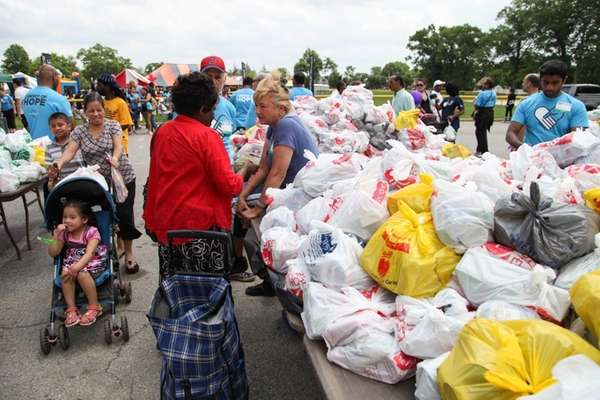 Free groceries were provided to those in need