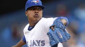 Toronto Blue Jays starting pitcher Marcus Stroman throws