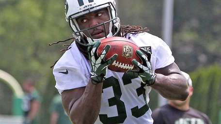 The Jets' Chris Ivory makes a reception during