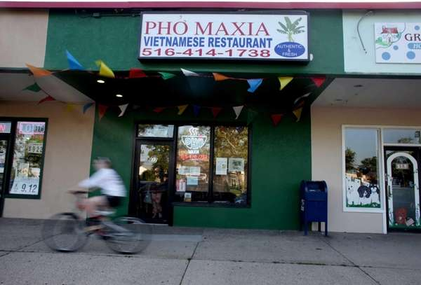 Pho Maxia is a Vietnamese restaurant located in