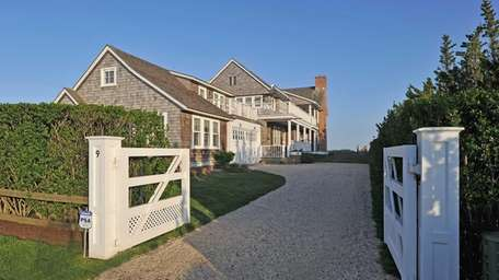 Entertainer Billy Joel has sold this Sagaponack house