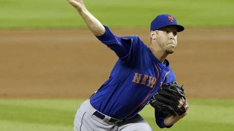Mets' Zack Wheeler pitches against the Miami Marlins