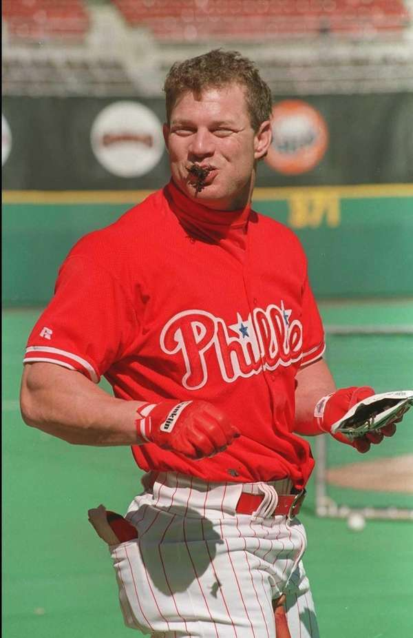 Philadelphia Phillies centerfielder Lenny Dykstra enjoys a mouthful