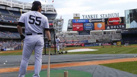 Former New York Yankees Hideki Matsui #55 waits