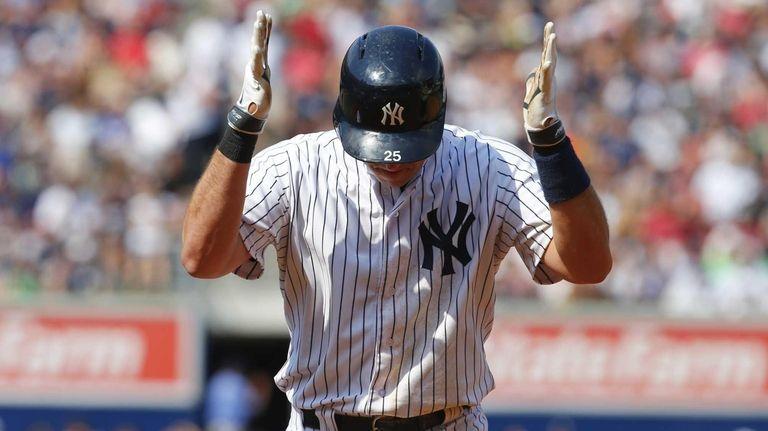 Mark Teixeira #25 of the New York Yankees