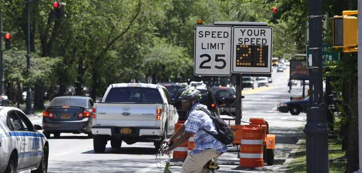 New speed restriction signs along Eastern Parkway in