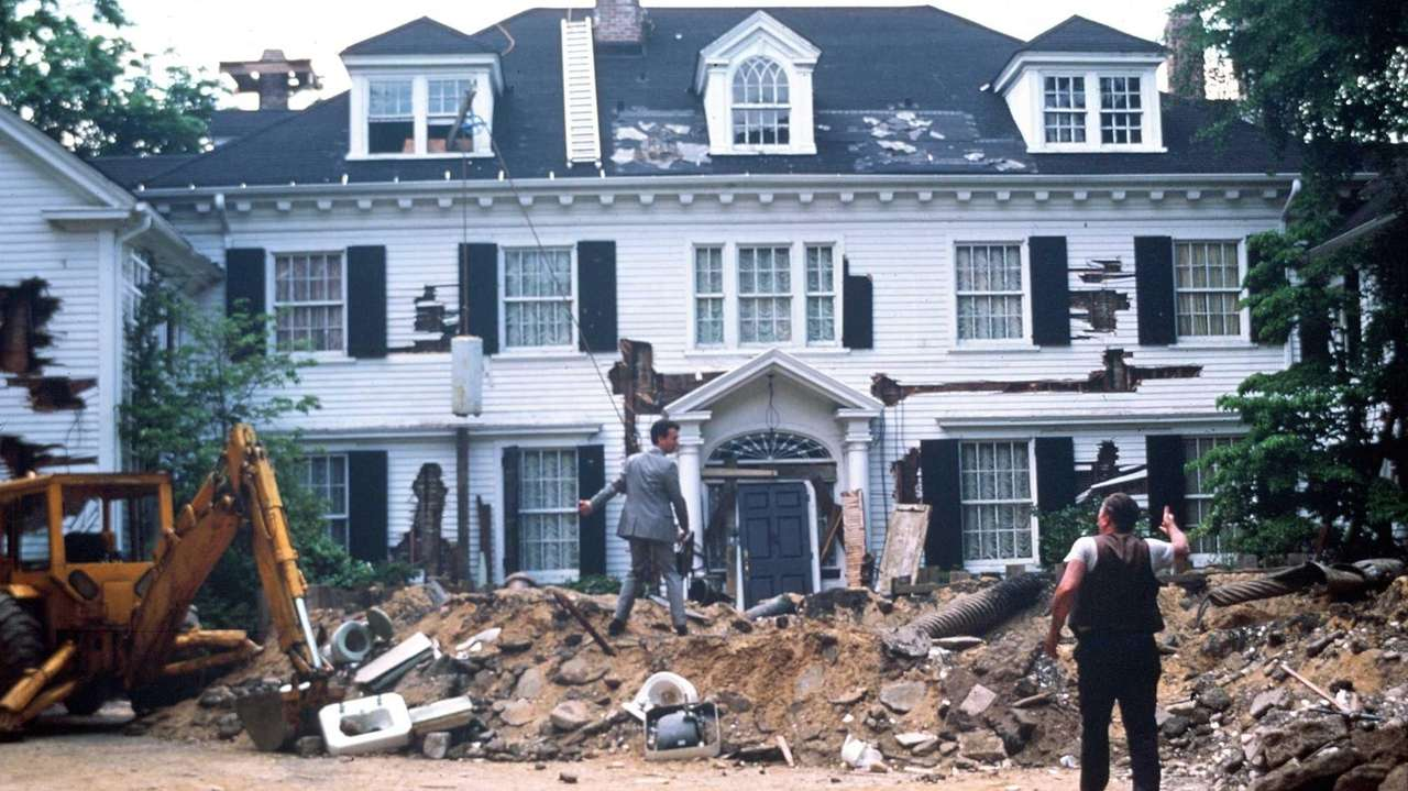 Lattingtown House In Tom Hanks Money Pit For Sale Newsday
