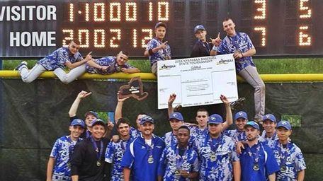 The Smithtown Christian baseball team celebrates its state