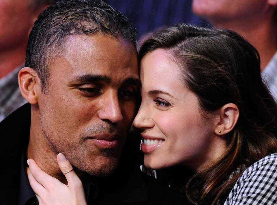Eliza Dushku told her hometown Boston Globe in