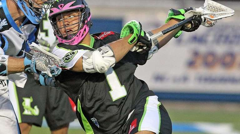 Lizards' JoJo Marasco works near the Ohio Machine