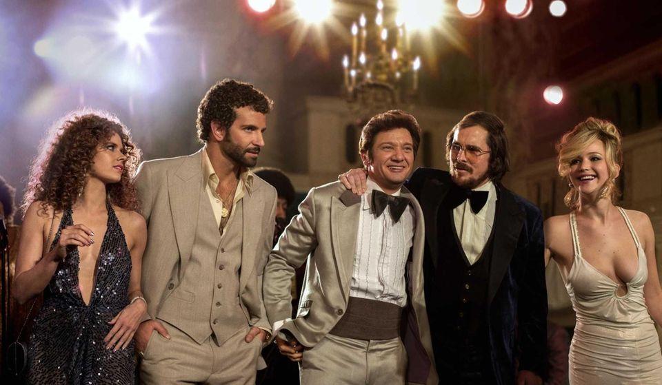 Amy Adams, Bradley Cooper, Jeremy Renner, Christian Bale