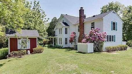 While most vintage North Fork homes are on
