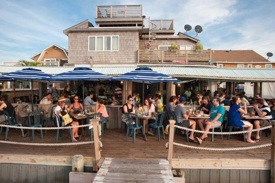 Matthew's Seafood House, Ocean Beach: The name says