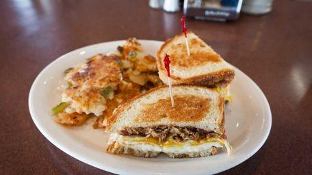 The pulled pork breakfast melt at Thomas's Ham