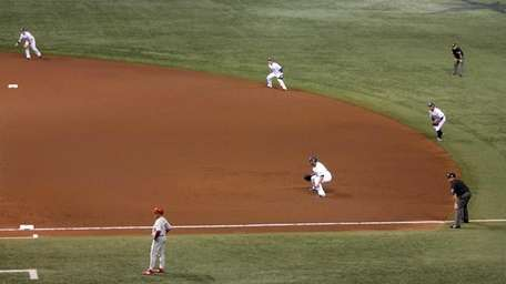 The Tampa Bay Rays play the infield shift