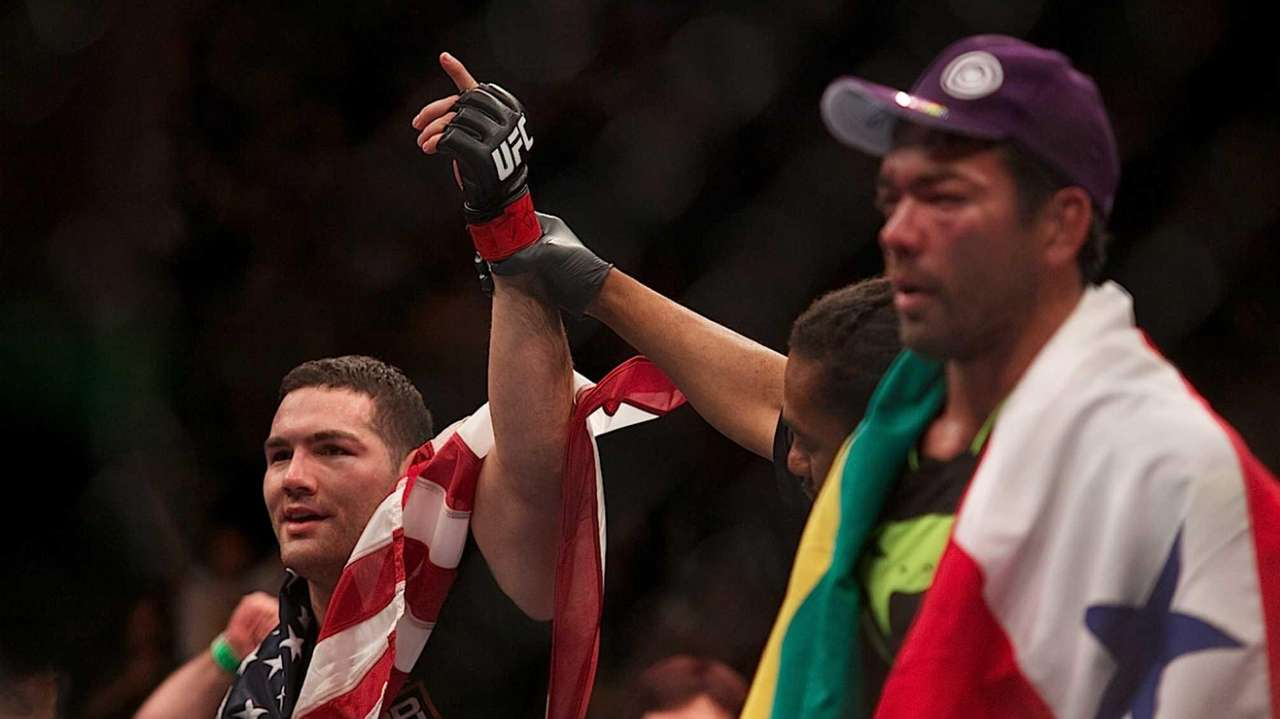 <a href='http://www.newsday.com/sports/mixed-martial-arts/chris-weidman-s-ufc-history-1.5564791'>Chris Weidman's UFC fight history</a>