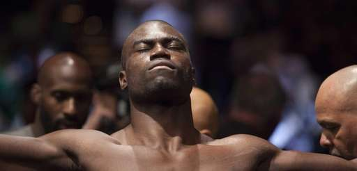 Uriah Hall fought through a broken toe in
