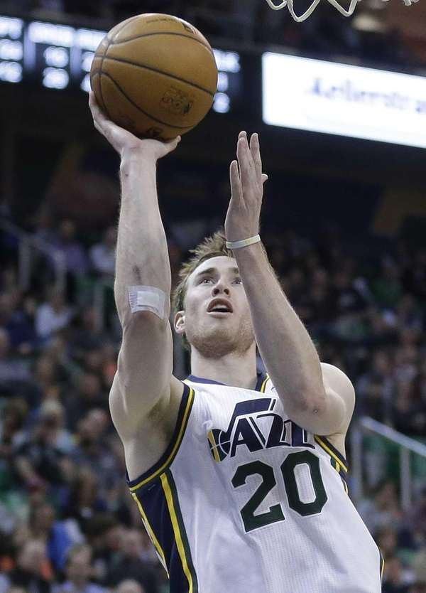 The Utah Jazz's Gordon Hayward (20) shoots in