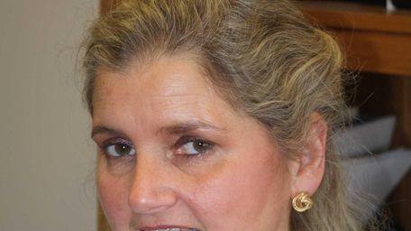 Jenifer Van Deinse of Fort Salonga has joined