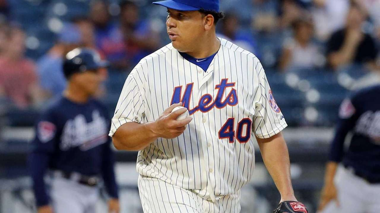 Bartolo Colon of the Mets stands on the