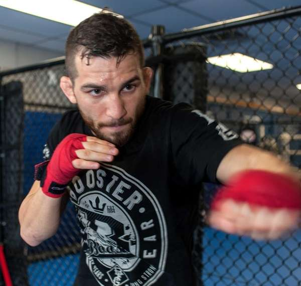 UFC fighter Alptekin Ozkilic trains at Bellmore Kickboxing